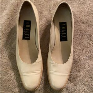 AMALFI ITALY CREAM HAND CRAFTED LEATHER PUMPS